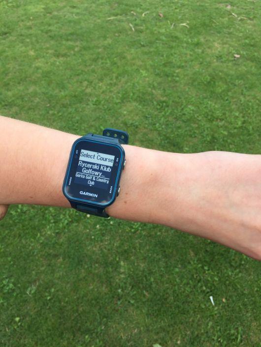 Testy sprzętu golfowego - zegarek Garmin S20 1