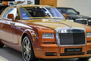 wcf-rolls-royce-dubai-motor-show-rolls-royce-phantom-coupe-tiger1-golfguru