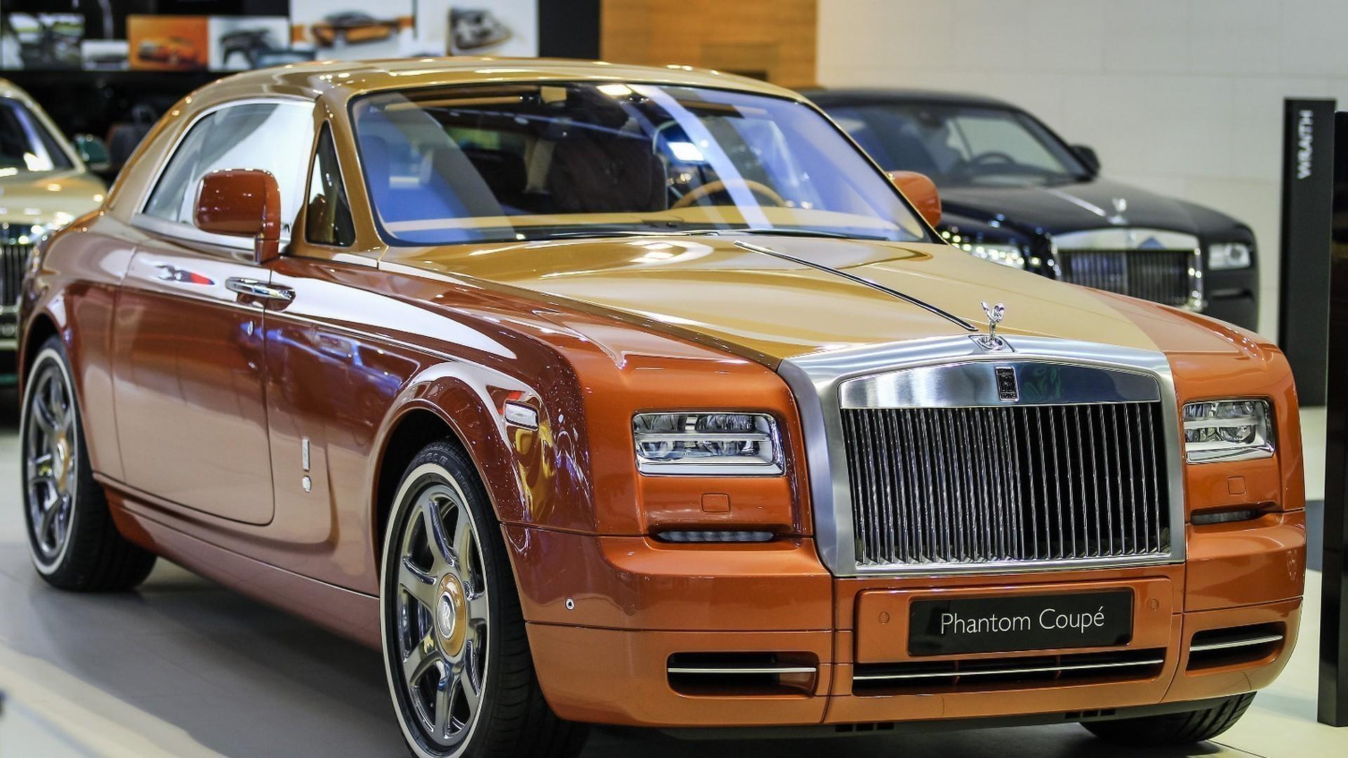 wcf rolls royce dubai motor show rolls royce phantom coupe tiger1 golfguru