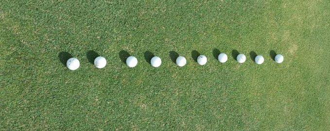 treningi-puttingu-krotkiego-i-sredniego-poziom-1-rzad-pilek-golfguru-pl
